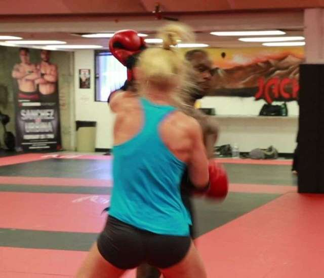 Holly Holm hot pics