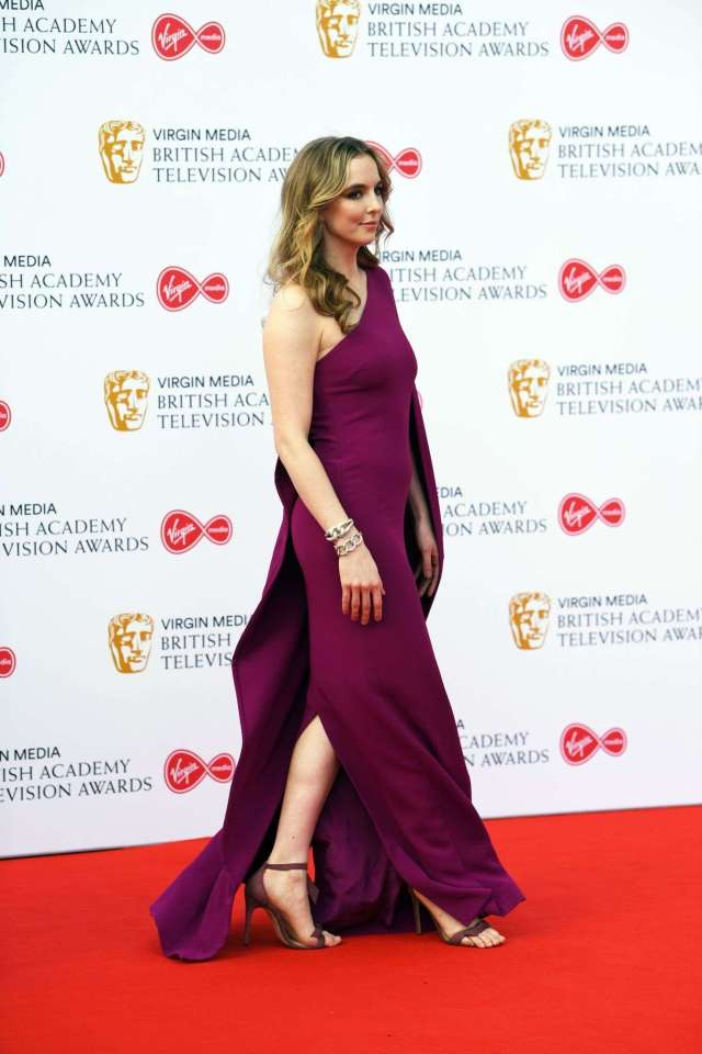 Jodie Comer sexy look