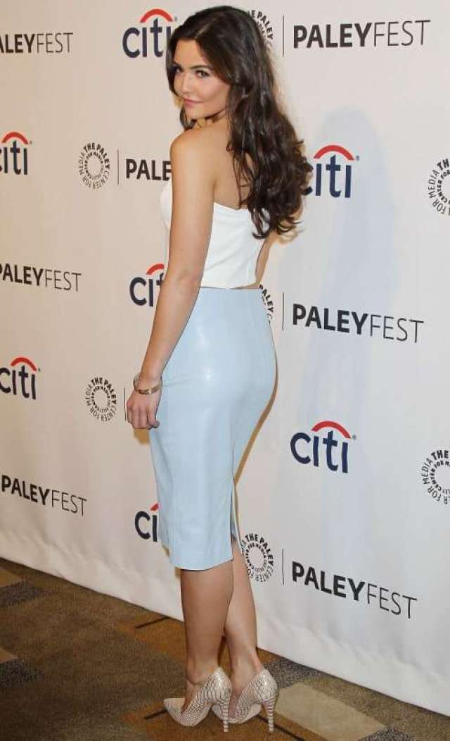 Danielle Campbell sexy pic