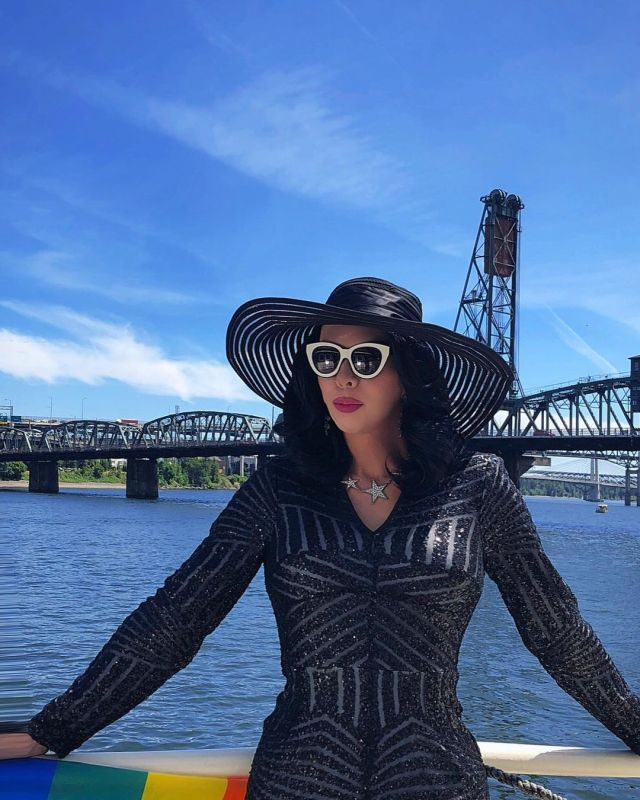kelly mantle outdoor