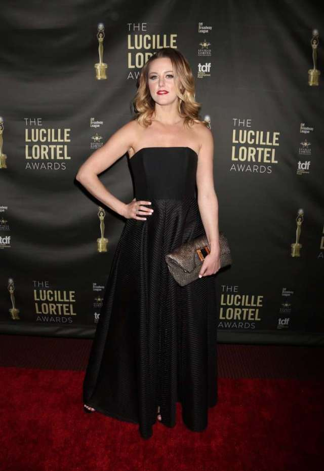 taylor louderman awesome