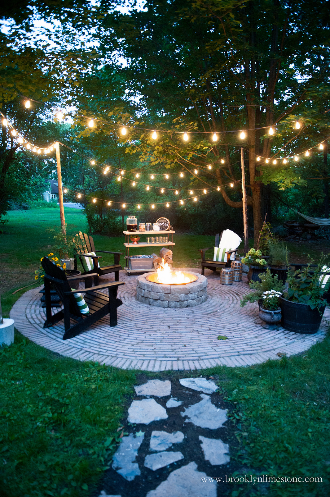 18 Fire Pit Ideas For Your Backyard - Best of DIY Ideas on Outdoor Fire Pit Ideas id=29242