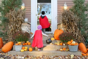 10 Ways to Keep Your Kids Safe on Halloween