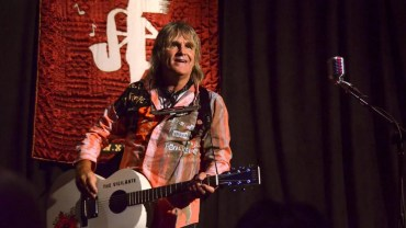 The Alarm's Mike Peters Brings the Spirit of '86 to Garwood