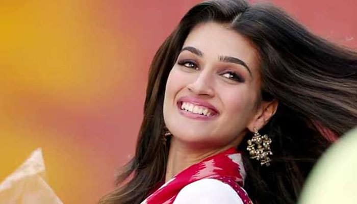 Kriti Sanon to star opposite Akshay Kumar in Housefull 4