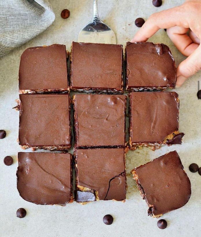 5-Ingredient Peanut Butter Crunch Bars