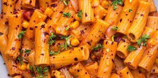 Rigatoni In a Rich And Flavourful Tomato Sauce