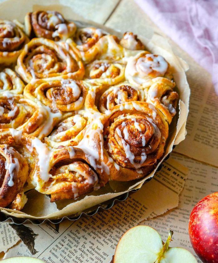 Vegan Apple Pie Cinnamon Rolls