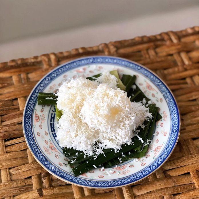Vegan Singaporean Cuisine: Kueh Ubi Kayu