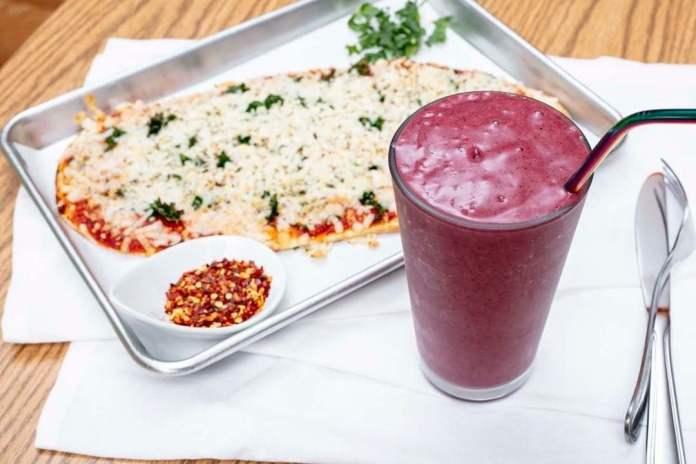 Kale My Name: Smoothie and Pizza