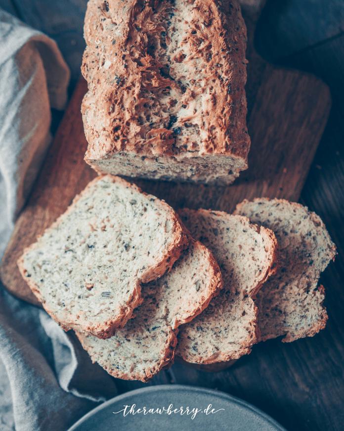 Vegan Chia Recipe: Easy bread from scratch