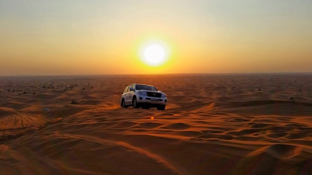سفاري الصحراء بالمساء بواسطة Atlanta Safari حجز رحلة سفاري في دبي