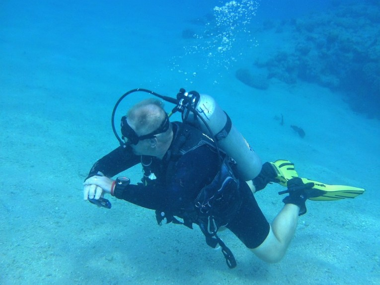 Best Diving Watches for scuba snorkel and swimming