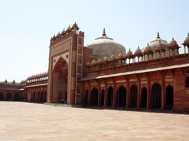 Fatehpur Sikri (https://www.flickr.com/photos/hectorgarcia/322050866)