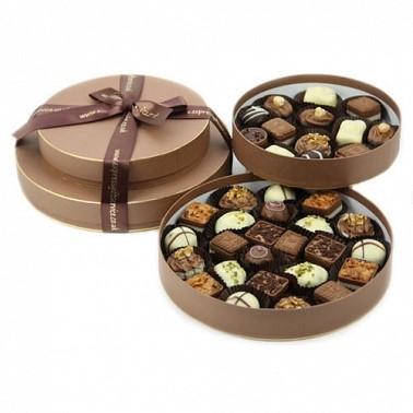 Round chocolate box- Food treats this summer