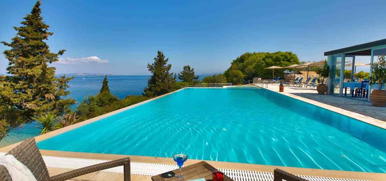 Why Paxos Island Is The First Choice For The Peace And Nature Lovers?