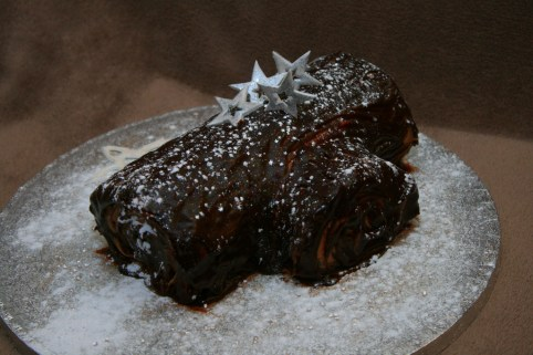 Chocolate yule log- Eldriva -Flickr, Christmas