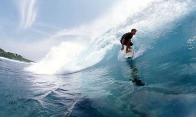 10 Surfing Spots in India