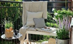 34 Beautiful Apartment Balcony Decoration Ideas Making The Most Out Of Your Balcony 13