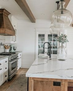 72 Beautiful Kitchen Countertop Ideas with White Cabinets Look Luxurious 2216