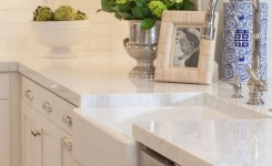 72 Beautiful Kitchen Countertop Ideas With White Cabinets Look Luxurious 9
