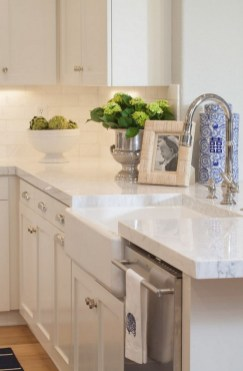 72 Beautiful Kitchen Countertop Ideas with White Cabinets Look Luxurious 2203