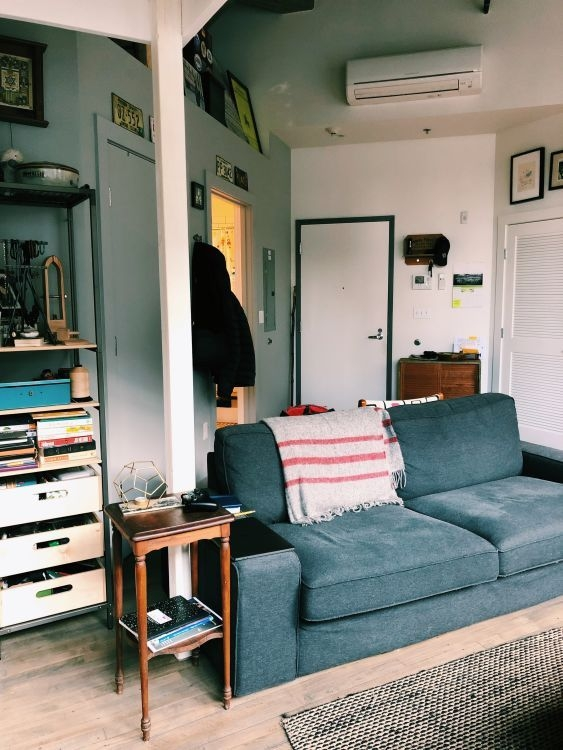92 Amazing Living Room Designs and Ideas for Your Studio Apartment 2878