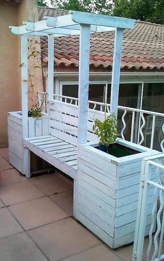 84 Backyard Decoration Ideas for Transform Your Backyard with A Quality Wood Pergola or Arbor 6359