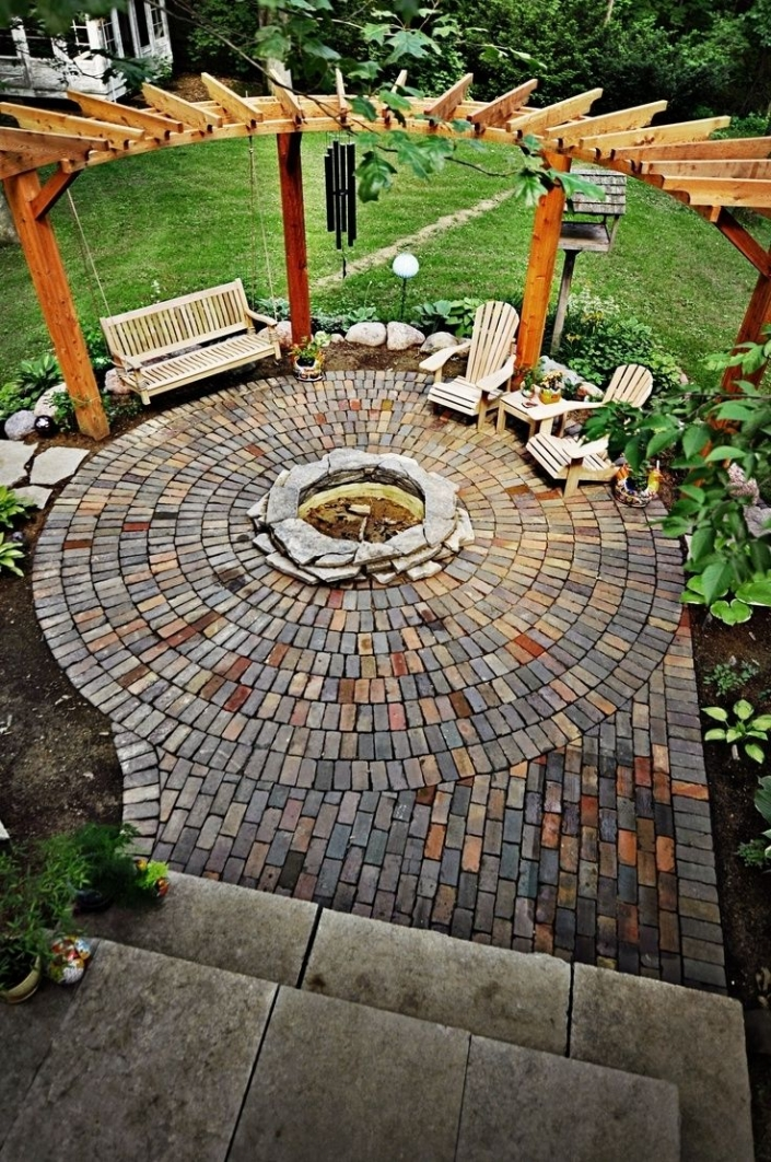 84 Backyard Decoration Ideas for Transform Your Backyard with A Quality Wood Pergola or Arbor 6383