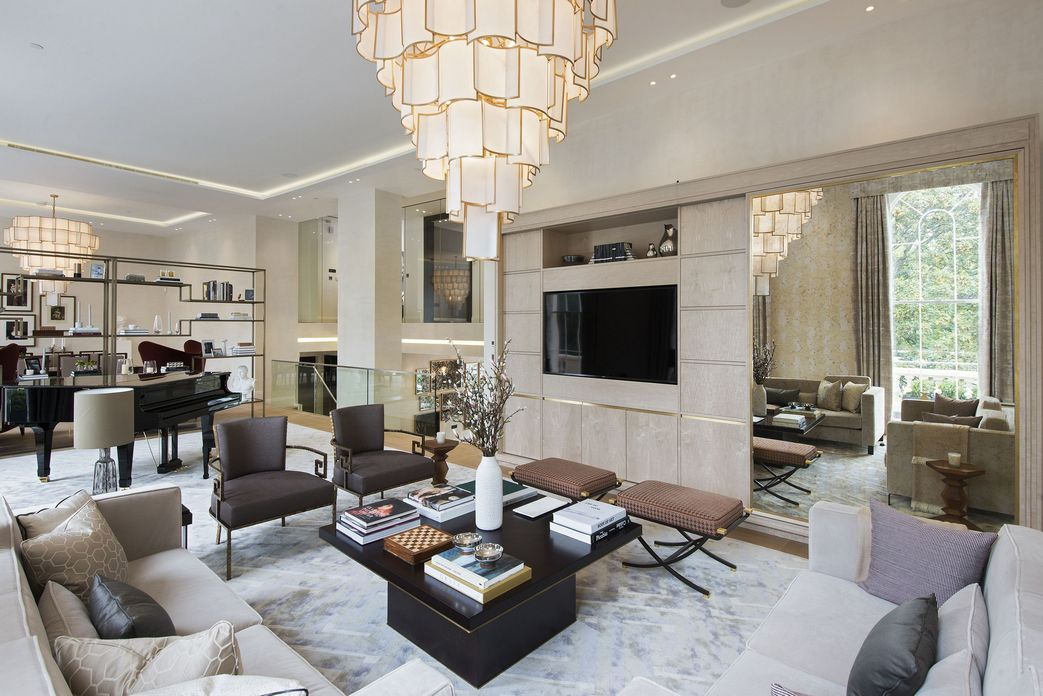 83 Interior Design Models That Look Luxurious And Are Designed To Decorate The Living Room 15