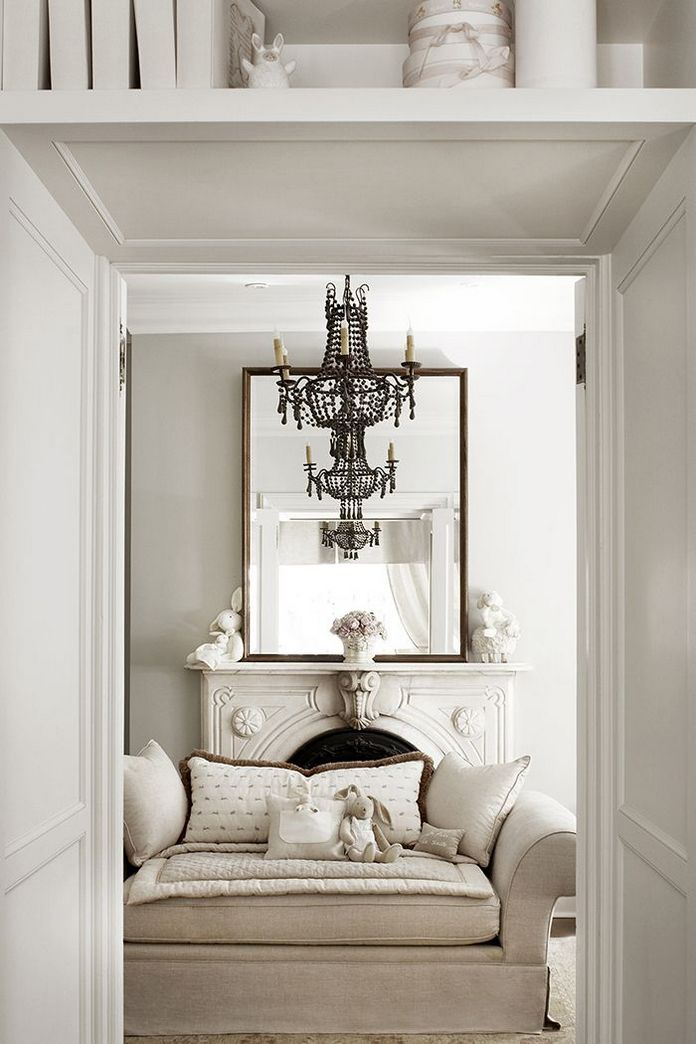 83 Interior Design Models That Look Luxurious And Are Designed To Decorate The Living Room 2