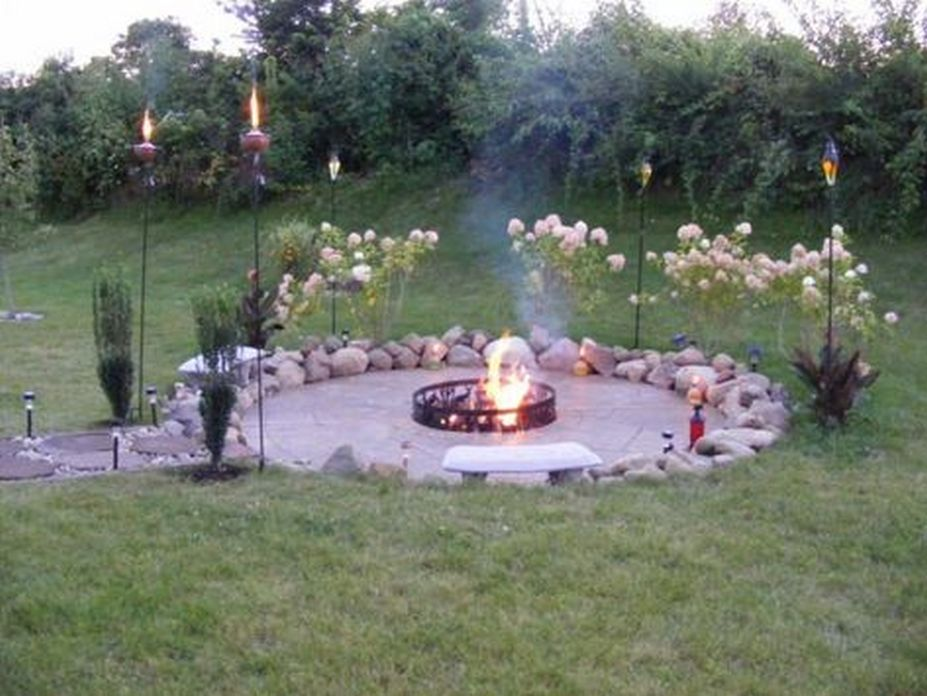90 Fun Decoration Models Of Backyard Fire Pit Area 61