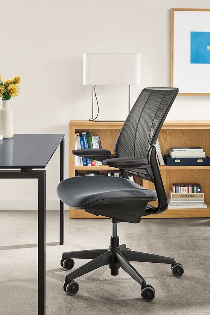 95 Modern Office Decorating Ideas With Inspiring Furniture To Add Style And Functionality To Your Workplace 44