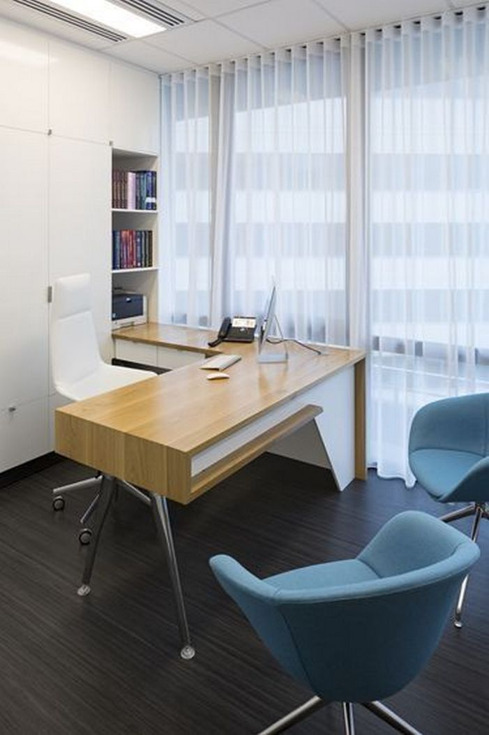 95 Modern Office Decorating Ideas With Inspiring Furniture To Add Style And Functionality To Your Workplace 76