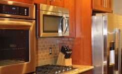 92 Models Of Cherry Kitchen Cabinets Are A Classic Alternative Choice To Meet Your Home Decor 23