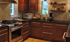 92 Models Of Cherry Kitchen Cabinets Are A Classic Alternative Choice To Meet Your Home Decor 28