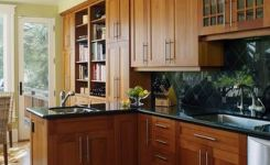 92 Models Of Cherry Kitchen Cabinets Are A Classic Alternative Choice To Meet Your Home Decor 79