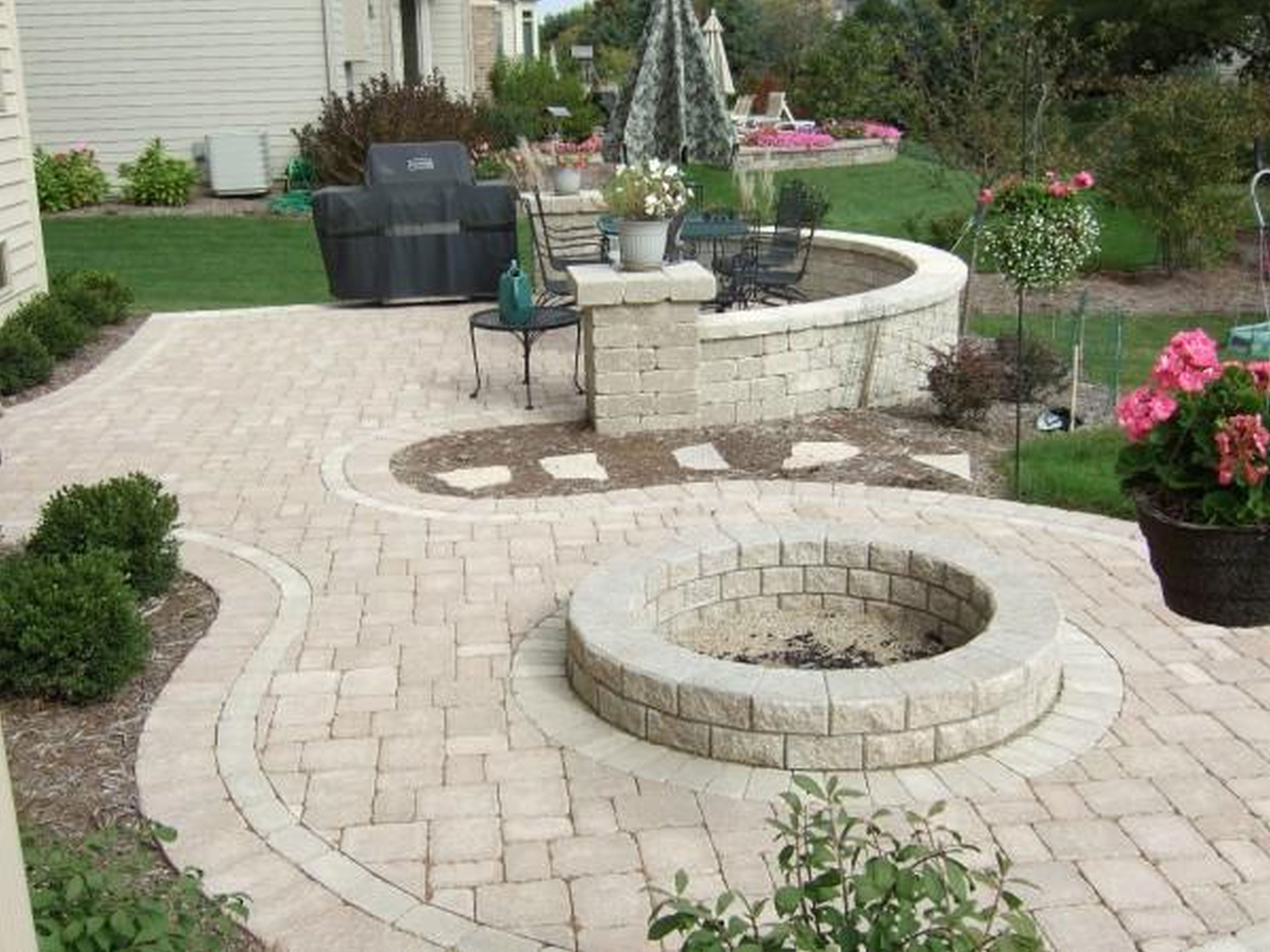 Backyard Patio Ideas for Making the Outdoor More ... on Backyard Pavers And Grass Ideas id=14669
