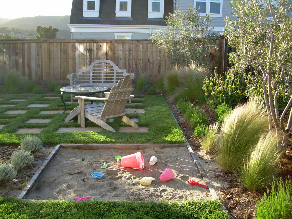 Gorgeous sandboxes in Landscape Traditional with ... on Inexpensive Backyard Landscaping id=45657