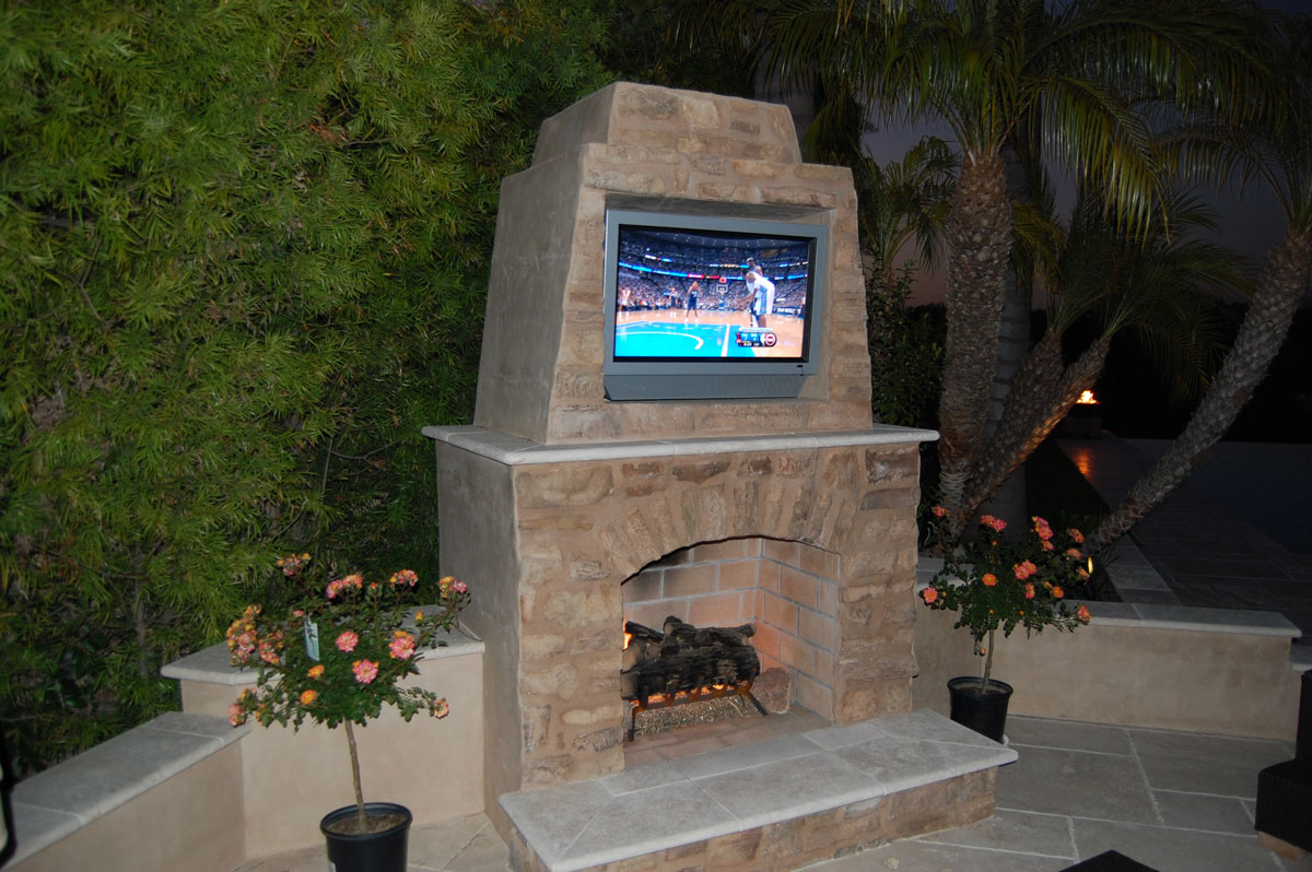 Outdoor Stone Fireplace Warming Up Exterior Space - Traba ... on Small Outdoor Fireplace Ideas id=81761