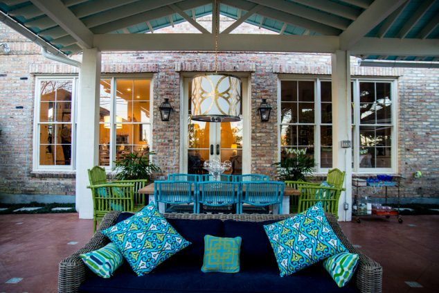 13 Colorful And Youthful Patio Decorating Ideas That Will ... on Mexican Backyard Decor id=39886