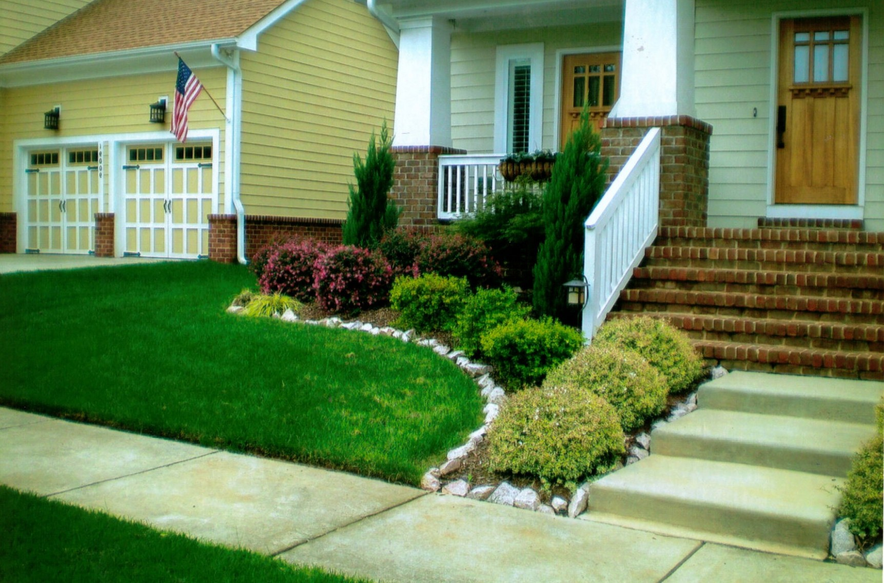15 Awesome Front Yard Landscaping Ideas on Outdoor Front Yard Ideas id=53975