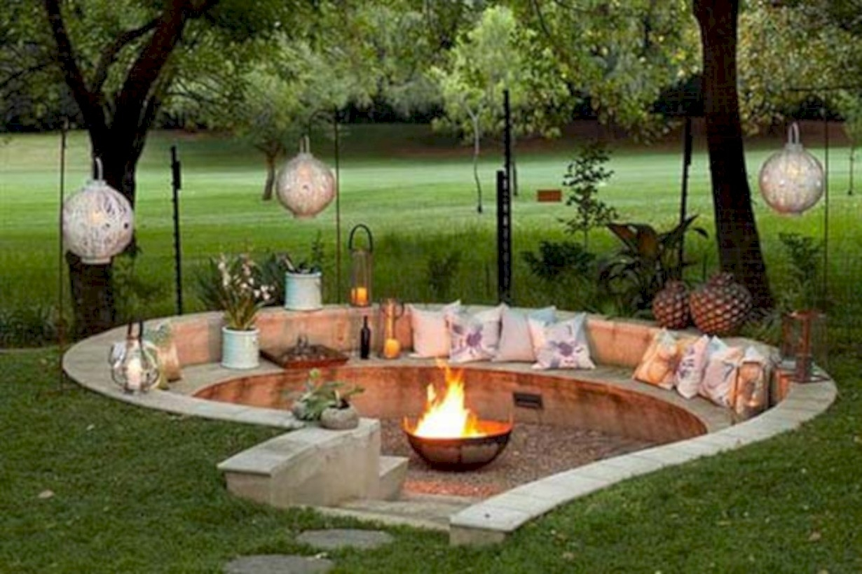 37 DIY Outdoor Fireplace and Fire pit Ideas - GODIYGO.COM on Garden Ideas With Fire Pit id=43794