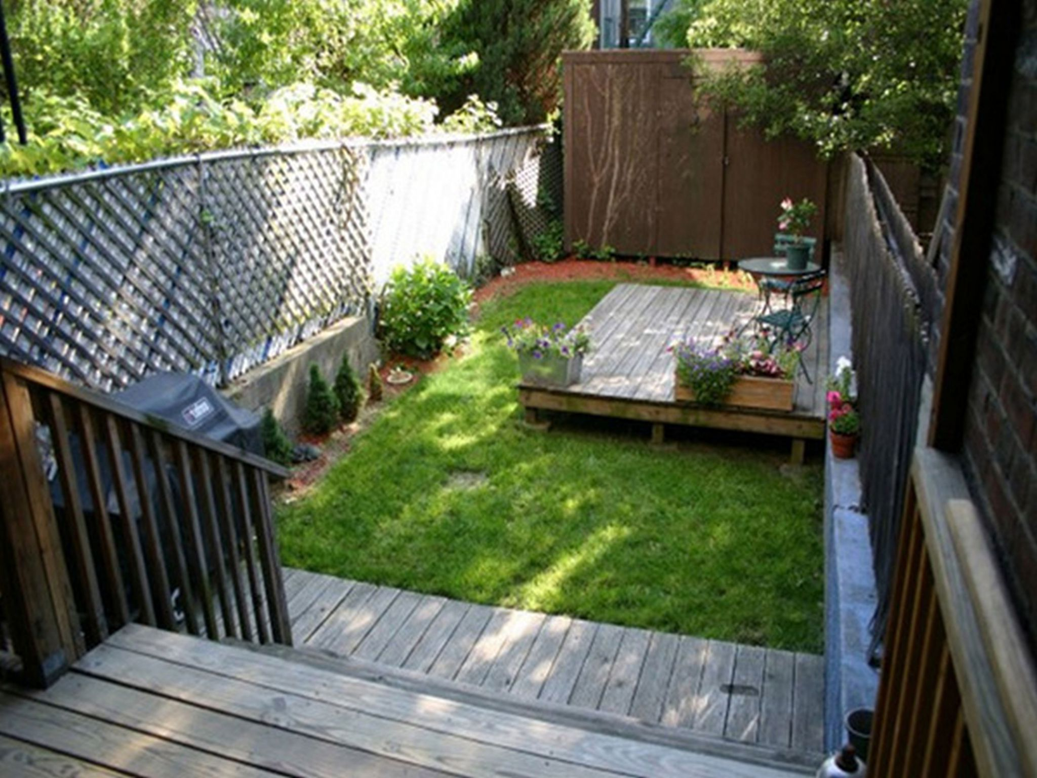 Create Your Beautiful Gardens with Small Backyard ... on Small Yard Landscaping id=75852
