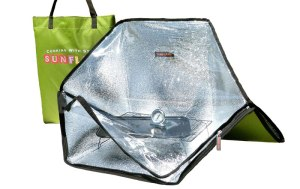 Sunflair-Portable-Solar-Oven-Deluxe