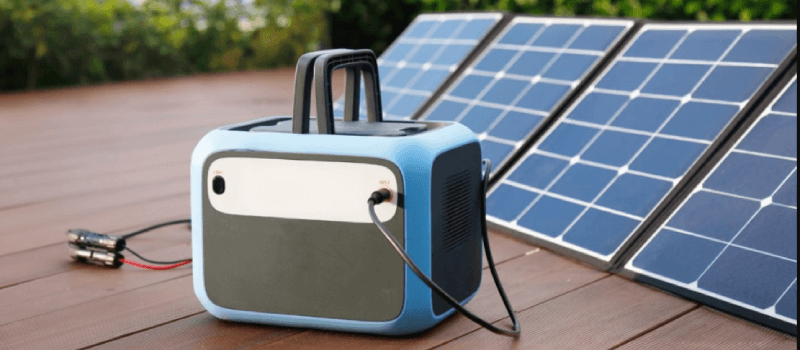Bluetti AC50S Solar Generator