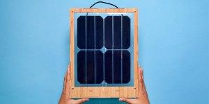Grouphug-Window-Solar-Charger
