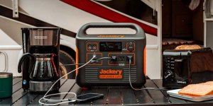 Jackery-1500-Explorer-Portable-Solar-Power-Station