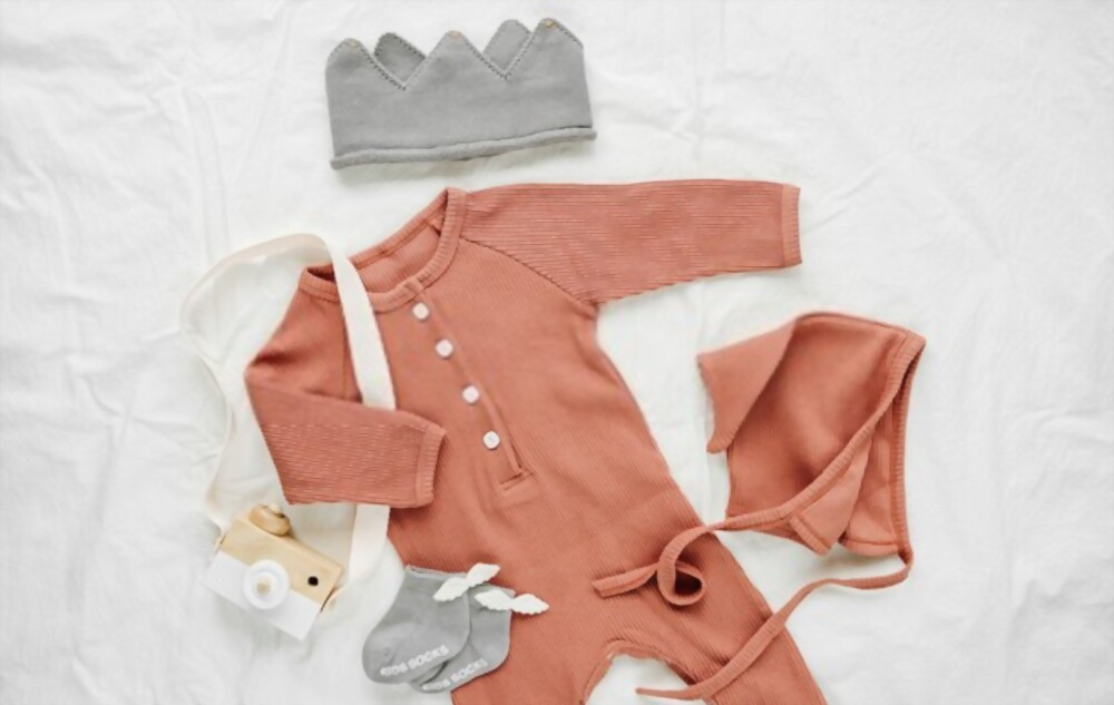 A Guide to Buying Gender Neutral Baby Clothes For Your Baby Girl