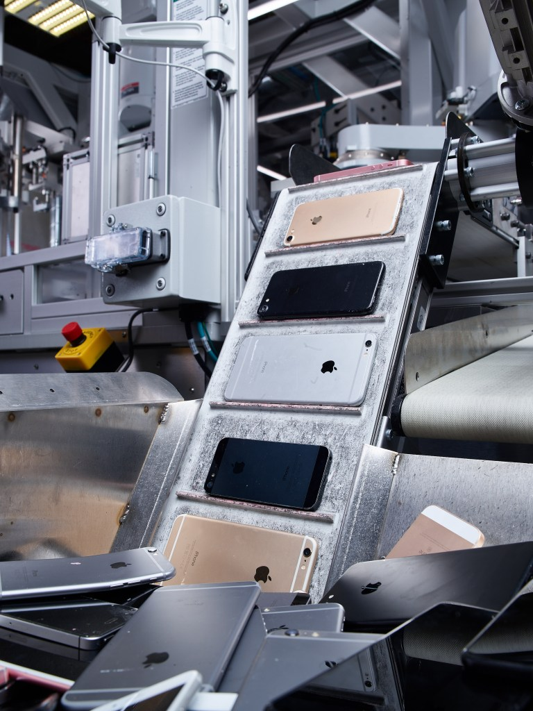 Apple Suing Recycling Partner for Reselling Products